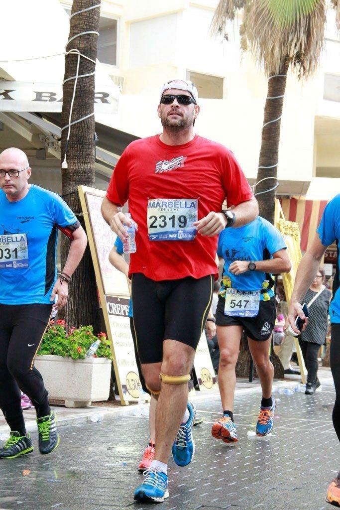 Primer avituallamiento Media Maratón de Marbella