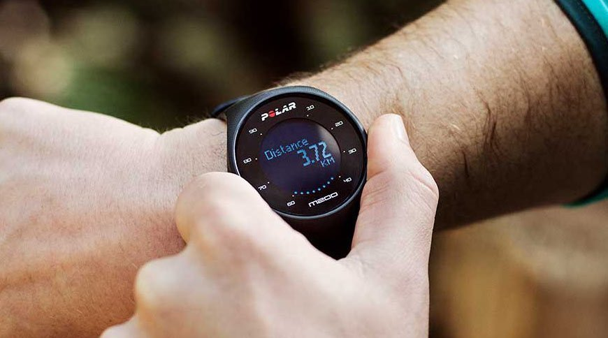 Polar M200, a GPS with an optical pulse sensor at an affordable price. 1
