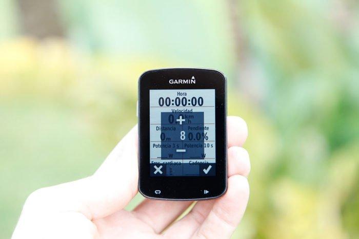 Garmin Edge 820 - Configurar pantallas de datos