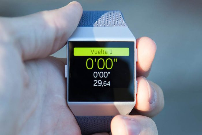 Fitbit Ionic - Dial back