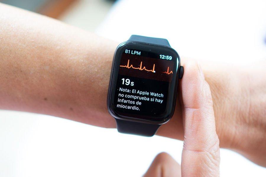 Apple Watch Series 5 - ECG