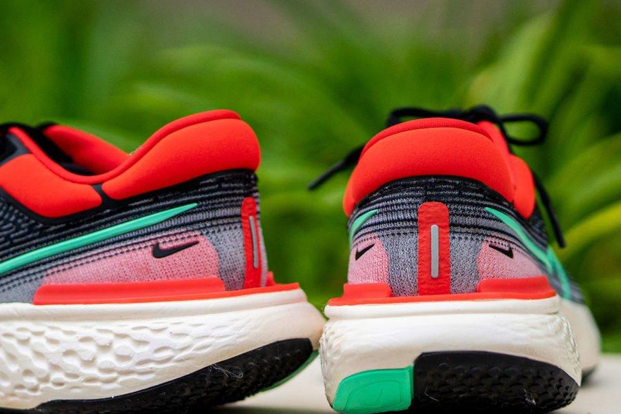 Inserciones Nike ZoomX Invincible Run