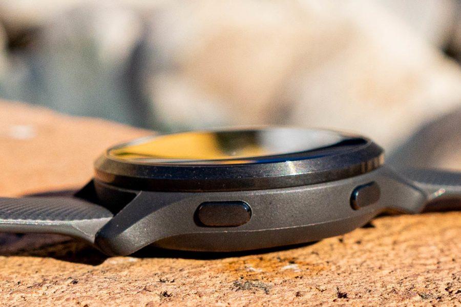 Garmin Venu 2S side view revew